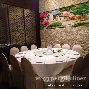 Foto 7 - Interior di Angke Restaurant oleh @NonikJajan