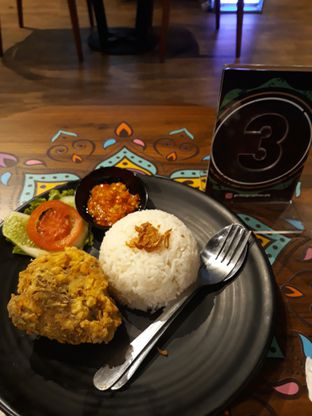 Foto review PrimaGraphia Cafe oleh Darvin Pratama 1