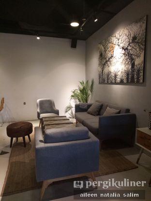 Foto 5 - Interior di Hygge Coffee oleh @NonikJajan