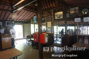Foto 7 - Interior di Waroeng Solo oleh Hungry Couplee