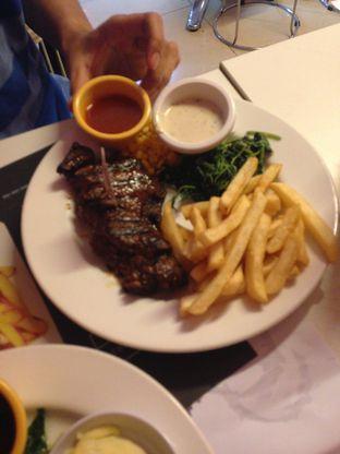 Foto 1 - Makanan di Holycow! STEAKHOUSE by Chef Afit oleh Almira  Fatimah