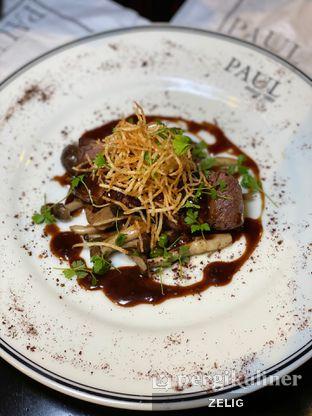 Foto 6 - Makanan(Tenderloin Mushroom And Dark Chocolate Sauce) di Paul oleh @teddyzelig