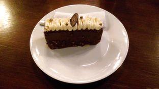 Foto 1 - Makanan(Hazelnut Cake) di The White Clover oleh Novita Purnamasari