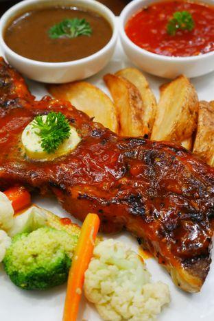 Foto 1 - Makanan di Cendana Lounge oleh Olivia