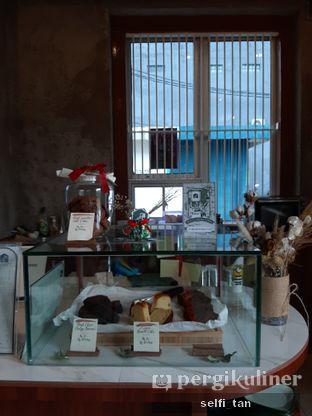 Foto 4 - Interior di Roast Coffee oleh Selfi Tan