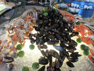 Foto 3 - Makanan(Kepiting, udang, kerang rebus) di Feast - Sheraton Bandung Hotel & Towers oleh meliricjourney