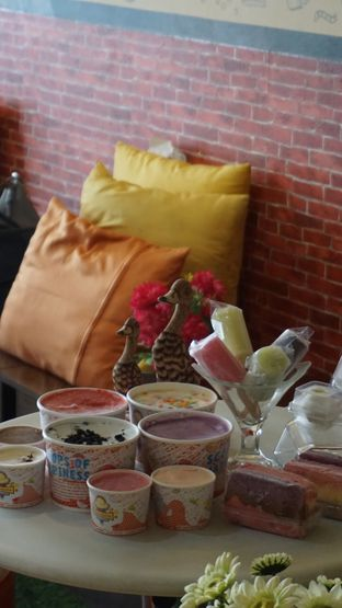 Foto review Karimata Ice Cream - Es Krim Tempo Doeloe oleh Theodora  1