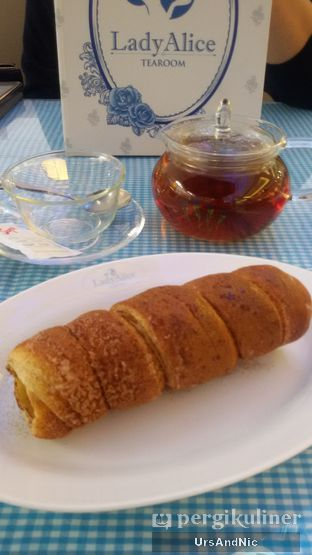 Foto 3 - Makanan(Authentic Chimney cake Cinnamon) di Lady Alice Tea Room oleh UrsAndNic