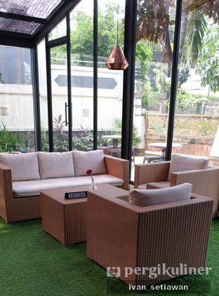 Foto 2 - Interior di Kode-in Coffee & Eatery oleh Ivan Setiawan