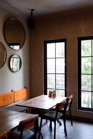 Foto 18 - Interior di Burns Cafe oleh yudistira ishak abrar