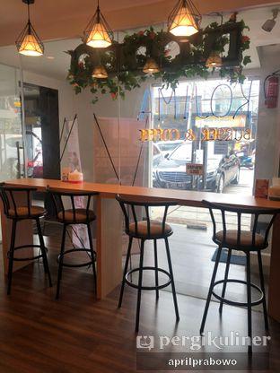 Foto 6 - Interior di Kojima Burger & Coffee oleh Cubi
