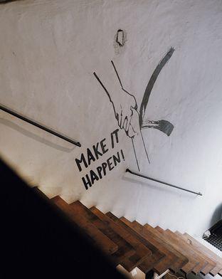 Foto review Make it Happen! oleh Della Ayu 5