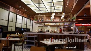 Foto 9 - Interior di Willie Brothers Steak and Cheese oleh Mich Love Eat