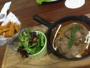 Foto 1 - Makanan(Hamburg Steak) di Bellamie Boulangerie oleh Elena Kartika