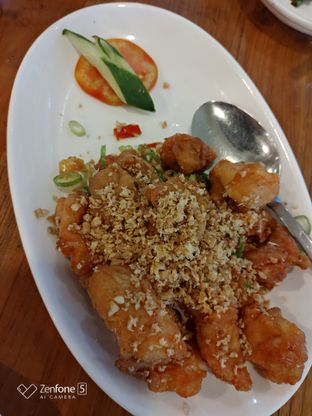 Foto 3 - Makanan(Ayam goreng pedas dengan bawang putih) di Imperial Kitchen & Dimsum oleh Gabriel Yudha | IG:gabrielyudha