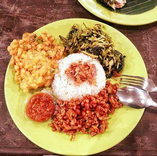 Foto - Makanan di Nasi Uduk Ibu Jum oleh deasy foodie