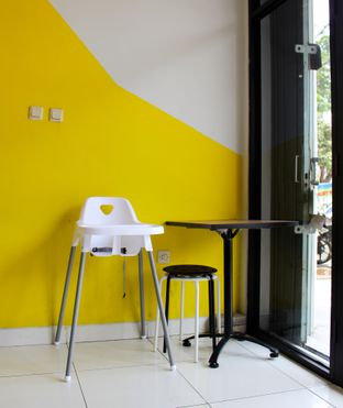 Foto 3 - Interior di Dino Burger & Rice Steak oleh Christine Lie #FoodCraverID
