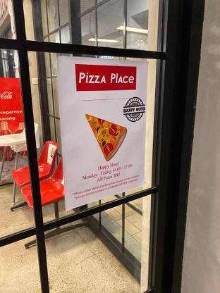 Foto 6 - Interior di Pizza Place oleh Ias Naibaho