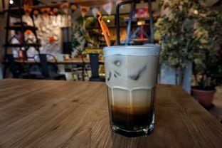 Foto 1 - Makanan(Curacao Coffee) di Seven Grams Coffee & Eatery oleh Fadhlur Rohman