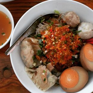 Foto 2 - Makanan di Bakmi Lamlo oleh Esther Lie
