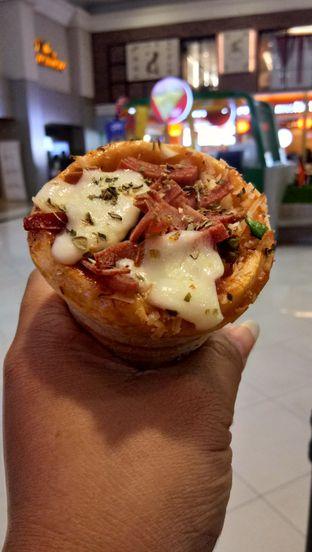 Foto - Makanan(meat lover) di Crown Pizza Cone oleh Komentator Isenk