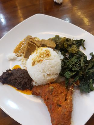 Foto 1 - Makanan di RM Indah Jaya Minang oleh Yuli || IG: @franzeskayuli