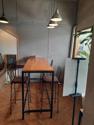 Foto 3 - Interior di Emmetropia Coffee oleh Geraldi Edward