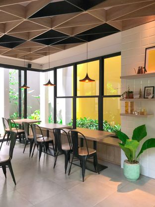 Foto review Cecemuwe Cafe and Space oleh yudistira ishak abrar 8