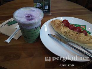 Foto - Makanan(black sesame matcha latte) di Starbucks Coffee oleh tata utami