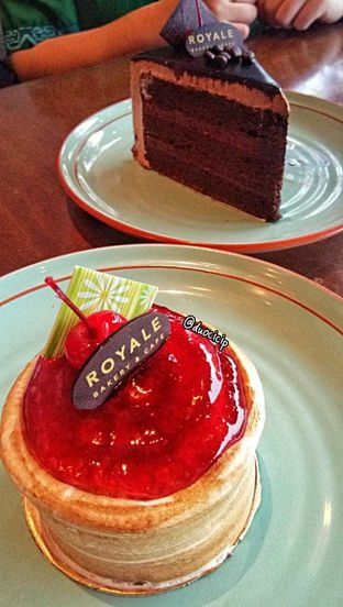 Foto review Royale Bakery Cafe oleh felita [@duocicip] 7