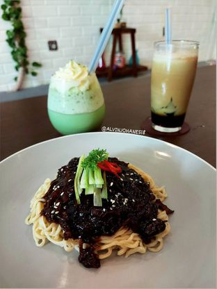 Foto 9 - Makanan(Jajangmyeon) di Mukbang Kitchen & Coffee oleh Alvin Johanes