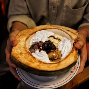 Foto 8 - Makanan(Rhum Raisin Ice Cream) di Braga Permai oleh Fadhlur Rohman