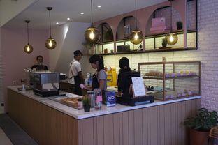 Foto 6 - Interior di Lala Coffee & Donuts oleh Prido ZH
