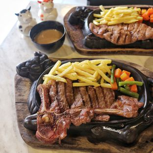 Foto review Djakarta's Steak oleh Stellachubby  5
