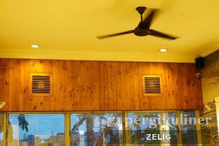 Foto 4 - Interior di Westport Coffee House oleh @teddyzelig