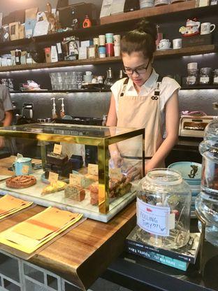 Foto 14 - Interior di Fillmore Coffee oleh Prido ZH