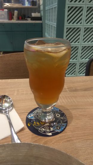 Foto 4 - Makanan(Ice Lemon Tea (IDR 34.5k) ) di Fish & Co. oleh Renodaneswara @caesarinodswr