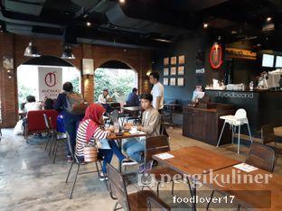 Foto 4 - Interior di Anomali Coffee oleh Sillyoldbear.id