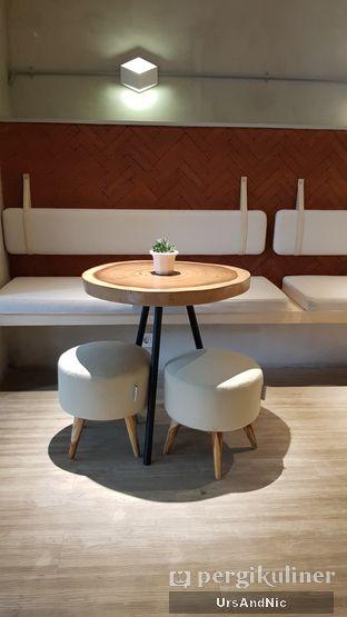 Foto 9 - Interior di Hiveworks Co-Work & Cafe oleh UrsAndNic