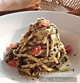 Foto 12 - Makanan(Fetuccine con Pesto e Pollo) di La Cucina oleh Myra Anastasia