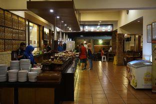 Foto 6 - Interior di Warung Nasi Ampera oleh yudistira ishak abrar