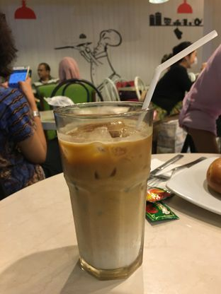 Foto 1 - Makanan(Caffe latte) di Delico oleh Kevin Suryadi