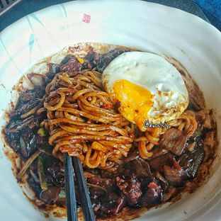 Foto 9 - Makanan(Jjajangmyeon ) di Noodle King oleh duocicip
