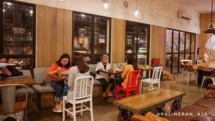 Foto 6 - Interior di Two Cents oleh @kulineran_aja