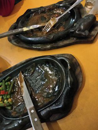 Foto 8 - Makanan di Waroeng Steak & Shake oleh Devi Renat