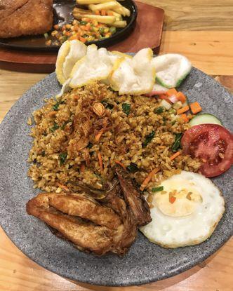 Foto Makanan di Warung Bos