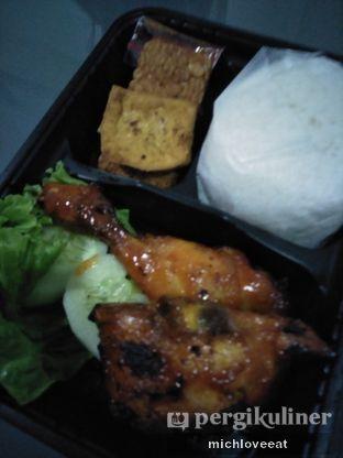 Foto 4 - Makanan di Ayam Bakar Kambal oleh Mich Love Eat