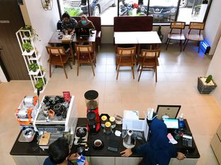 Foto 11 - Interior di Likely Cafe & Resto oleh yudistira ishak abrar