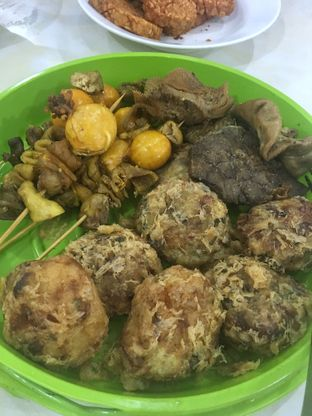 Foto 2 - Makanan di Soto Madura Bpk H. Ngatidjo oleh Nanakoot