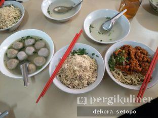 Foto 1 - Makanan di Mie Lezat Khas Bandung (Gang Luna) oleh Debora Setopo